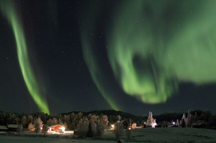 Norrskensdans över Årrenjarka