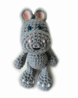 Crochet Little Bigfoot Hippo Free  Pattern .good site