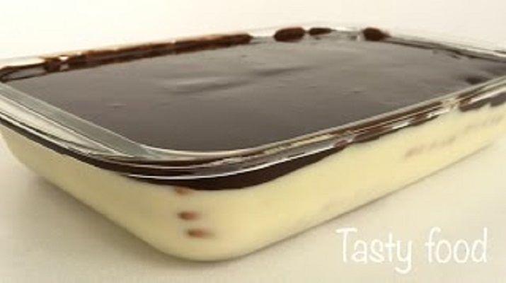 Очень нежный и ароматный торт станет настоящим наслаждением. А какой он вкусный в сочетании с чаем или крепким кофе! Попробуйте — и вы не пожалеете!