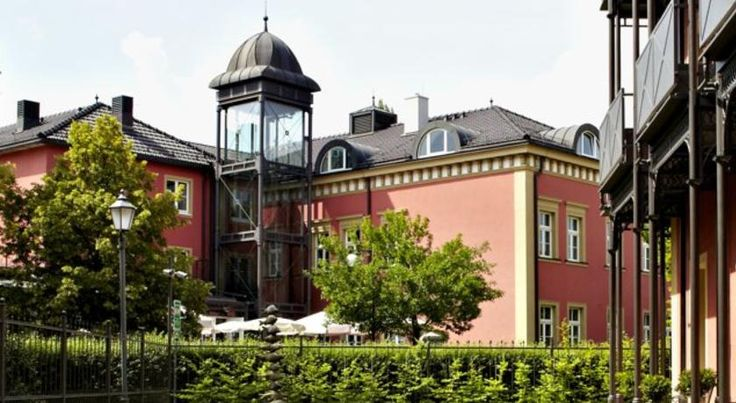 Allee Hotel Neustadt an der Aisch Set amid green landscapes in the Bavarian town of Neustadt an der Aisch, this 4-star hotel offers elegant accommodation, a charming restaurant and free Wi-Fi internet access.