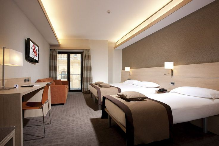 iQ Hotel Roma - Hotels.com - Hotel rooms with reviews. Discounts and Deals on 85,000 hotels worldwide