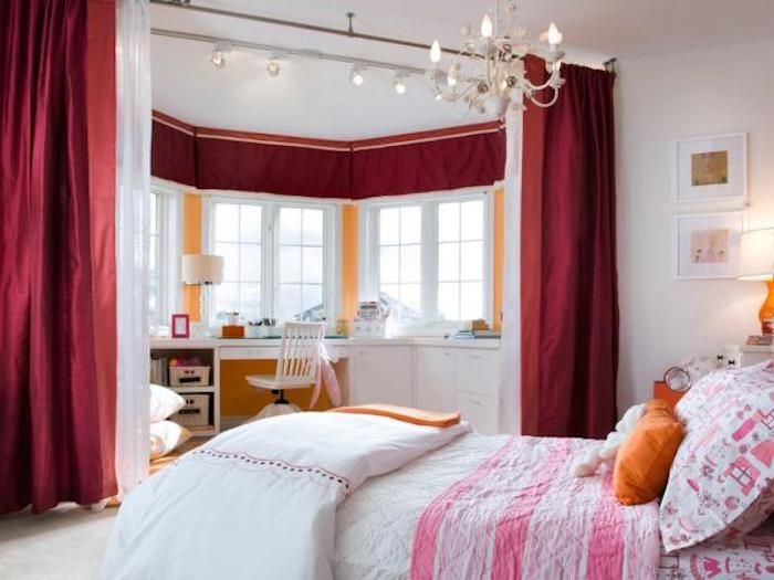Teenager Zimmer Einrichten Und Schön Dekorieren Eine Besondere  Zimmerarchitektur Zwei Teile Im Zimmer Erholungsecke Mit Großem