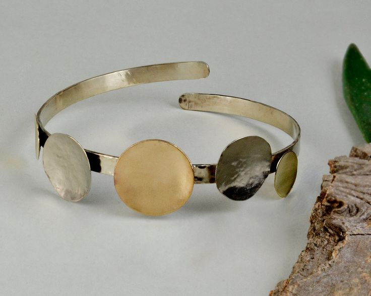 Mixed metal bracelet, minimal jewelry, geometrical jewelry, silver bracelet with circles,metallic open cuff,one of a kind bangle, women cuff by ColorLatinoJewelry on Etsy