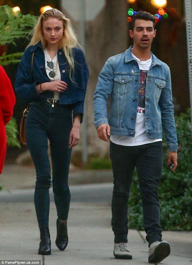 Jean-ius thinks alike!Joe Jonas and his gorgeous new lady Sophie Turnerwere spotted rock...