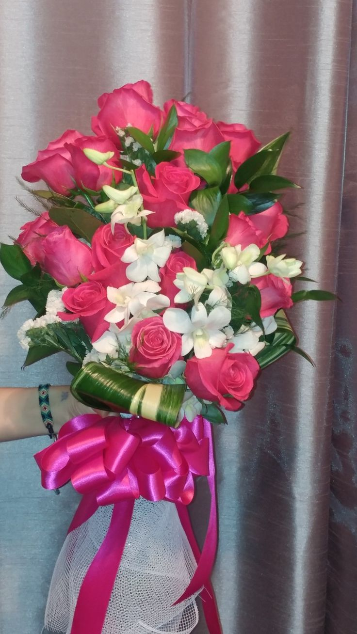Miss Arizona presentation flowers for 2017. Roses and white orchids are very elegant. #missarizonapagaent #presentationroses #missazusa #mesaarizonaflorist #Lighthouseflowershopmesa