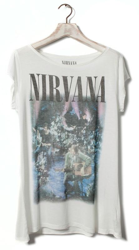 Tee shirt de Nirvana à coupler avec les converse rouge, of course !