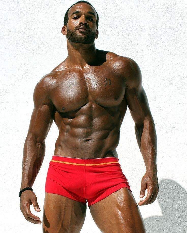 sexy-pictures-of-black-men-jolie
