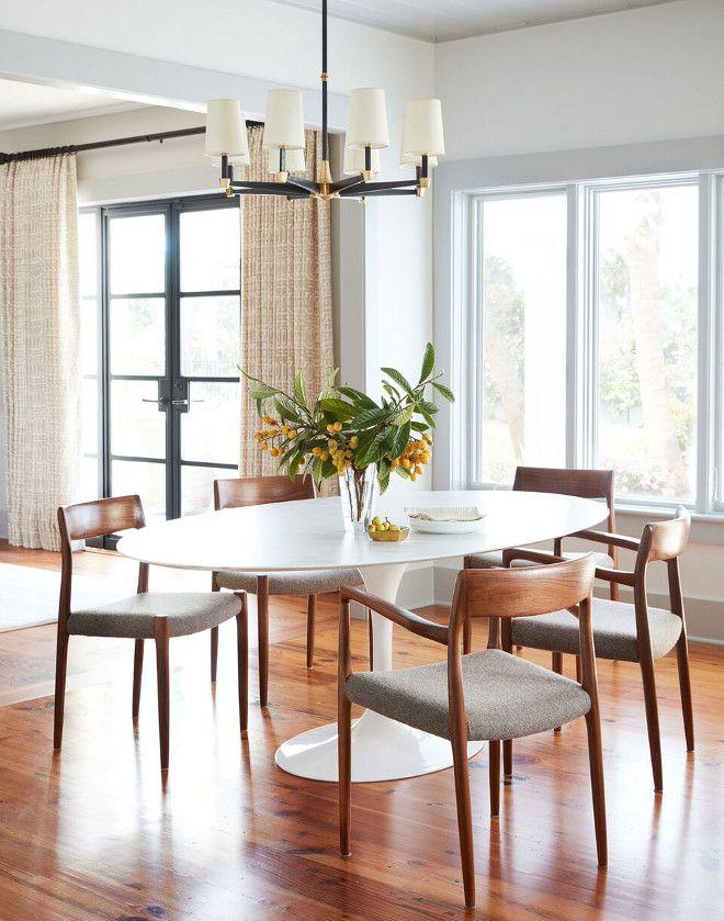 wall paint benjamin moore oc 25 cloud cover trim. Black Bedroom Furniture Sets. Home Design Ideas