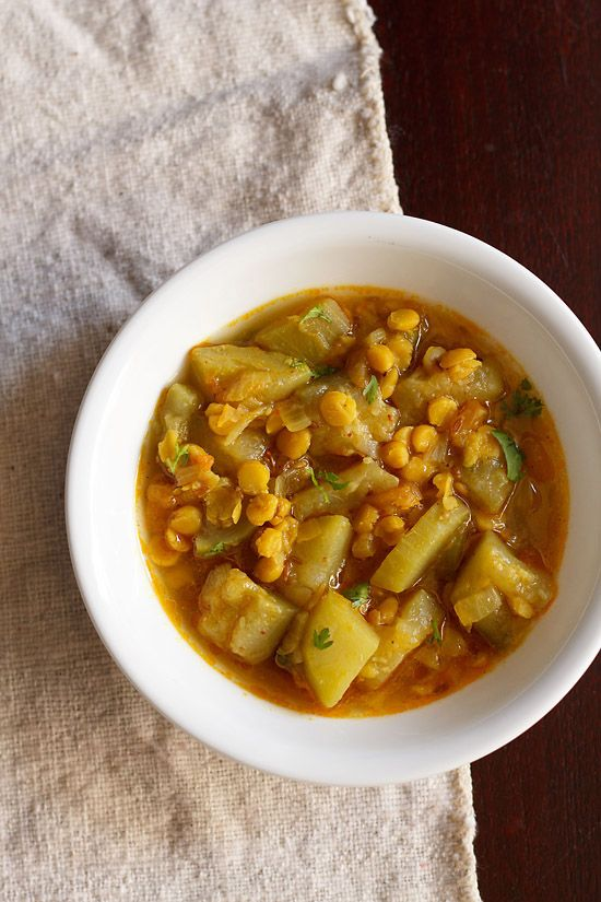 lauki chana dal sabzi recipe - healthy curry recipe made with bottle gourd (opo squash) & bengal gram. lauki chana dal curry is an easy and quick recipe.