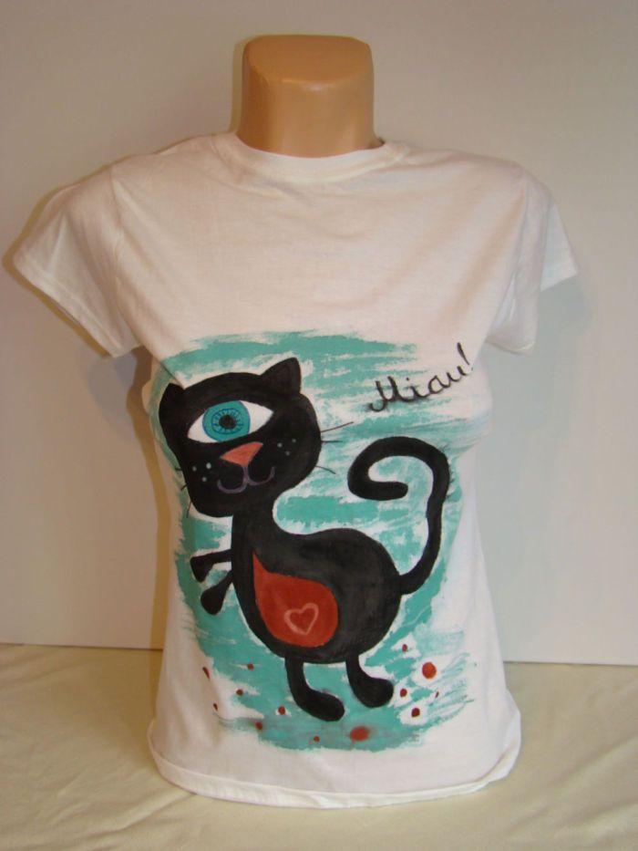 Tricou pictat- Ciclop cat (55 LEI la lycurycy18.breslo.ro)