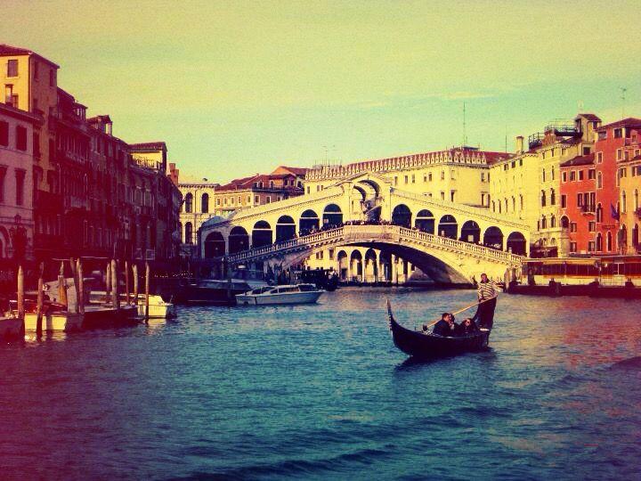 Venezia ~ Ponte di Rialto ~ Italy