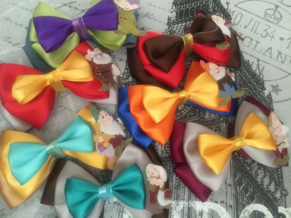Measures approximately 5 wide and 3 tall. Can be made in a smaller size upon request. Finished with either french barrette or alligator clip. Please allow 5-10 days for processing and shipment. If you require a bow by a certain date, please be sure to include the date in the notes when placing your order. Available for customization upon request.  Please feel free to send a message if you have any questions.