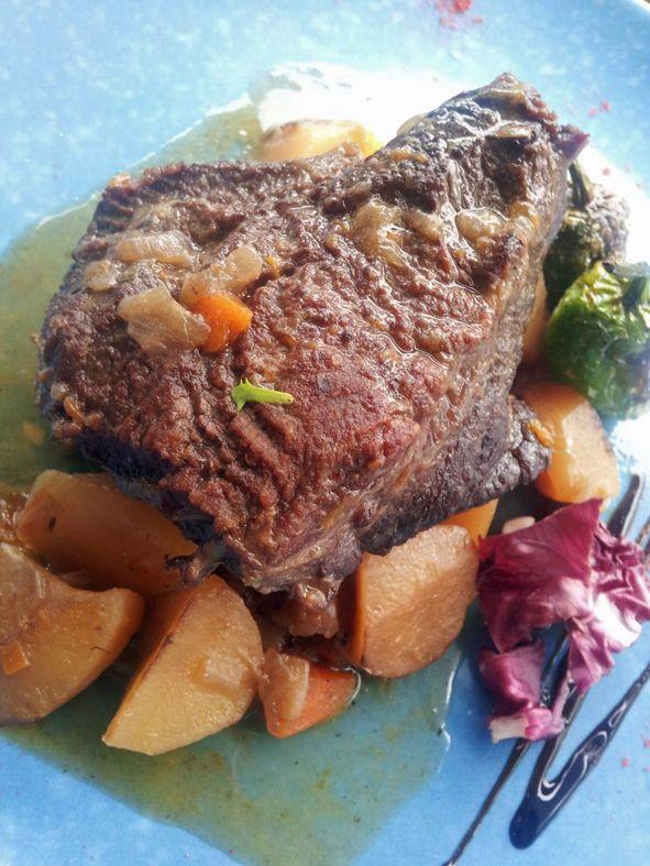 Cachete de Angus al vino especiado http://www.eblex.es/ver_recetas_gourmet.php?id_receta=240 Una receta de Rubén Cordero #recetas #gastronomía