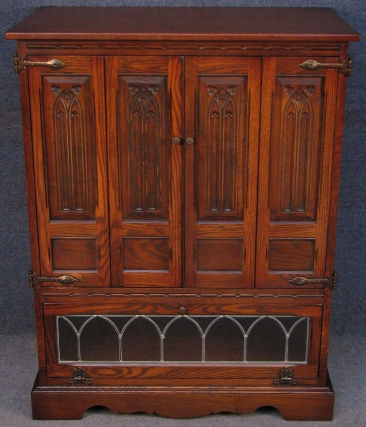 Old Charm Gothic Style Carved Leaded Oak TV / Hi Fi / Entertainment Cabinet  #OldCharm #Gothic