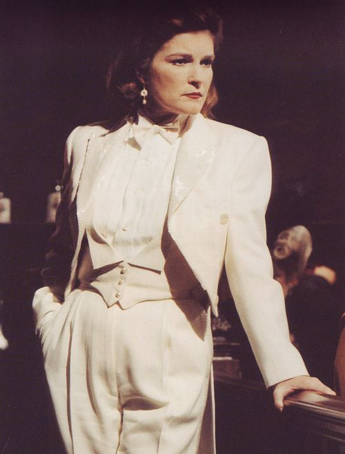 "Star Trek Voyager - Episode ""The Killing Game I"" (Captain Kathryn Janeway as Katrine)."