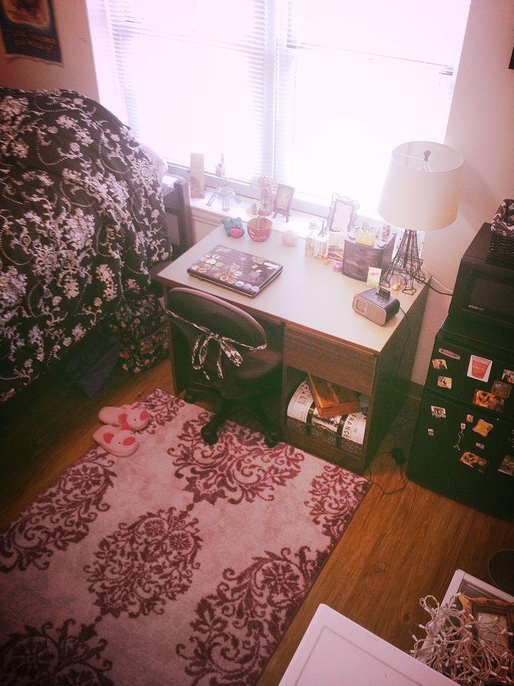 My tiny dorm room Room 357 Milton Daniel  TCU  ~ 210351_Byu Dorm Room Ideas