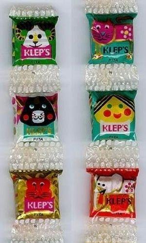 As balas Kleps eram vendidas em tirinhas e tinham vários sabores diferentes. Cada embalagem tinha um desenho diferente