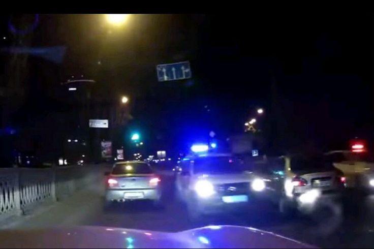 Новое видео с ночной погони по «встречке» полицейских за BMW