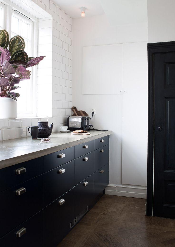 Blue kitchen_Daniella Witte_blog