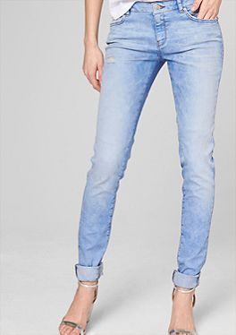 Stretch-Jeans im Used-Look von http://www.soliver.de/damen/jeans/slim/wo_ko_je_slim,default,sc.html