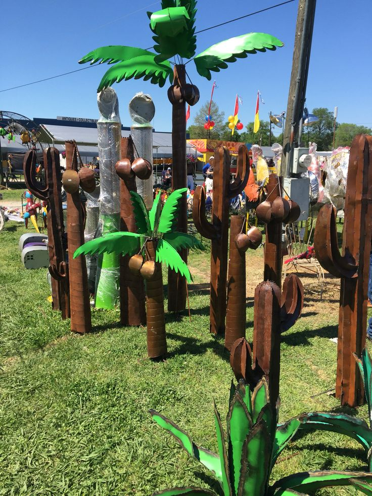 Metal Yard Palm Trees At First Monday Weekend Canton TX Metal Tree Wall Art Tree Art Metal