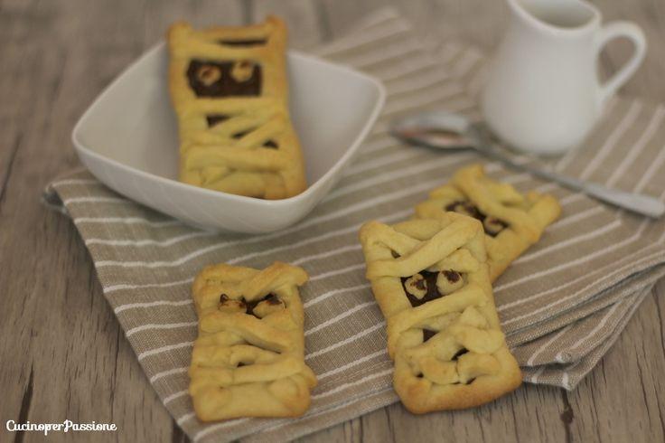 Mummie di pasta sfoglia e cioccolato idee halloween