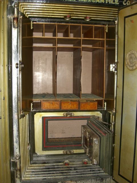 54 best images about antique safes on pinterest security - Standard interior door replacement key ...