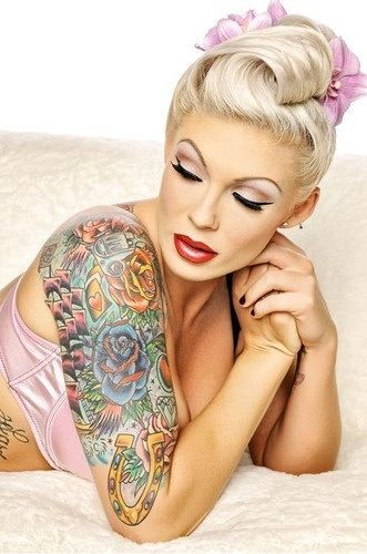 1000 ideas about pin up tattoos on pinterest chinese tattoos up tattoos and pin up girl tattoo. Black Bedroom Furniture Sets. Home Design Ideas