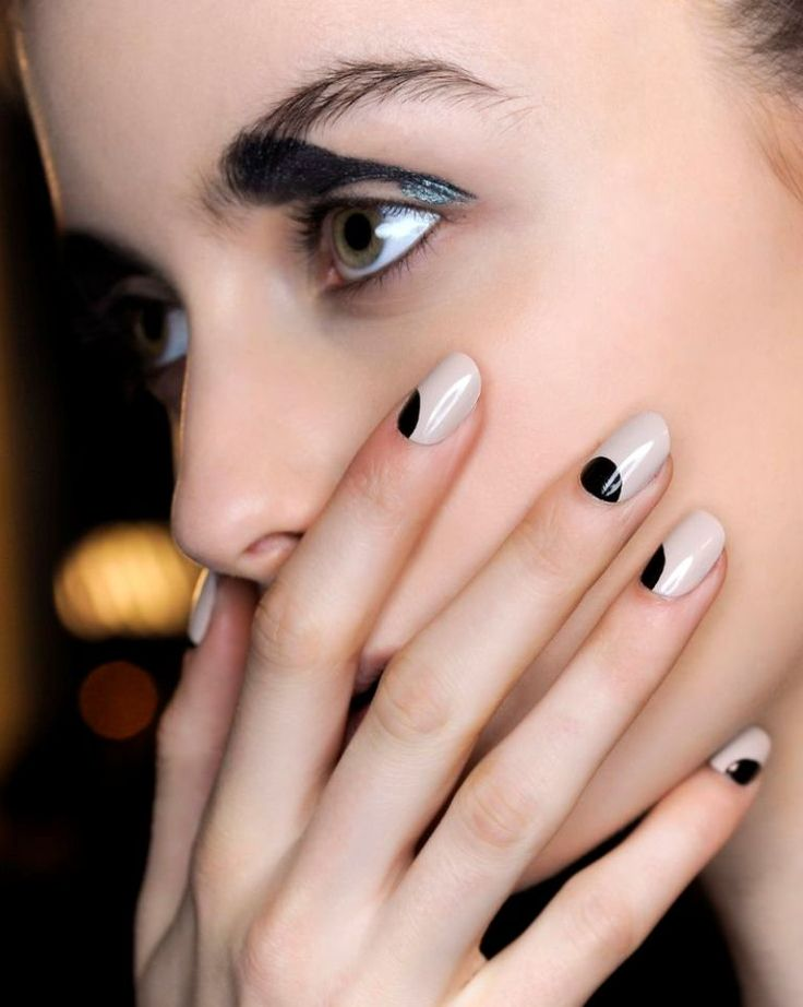 minimal nails