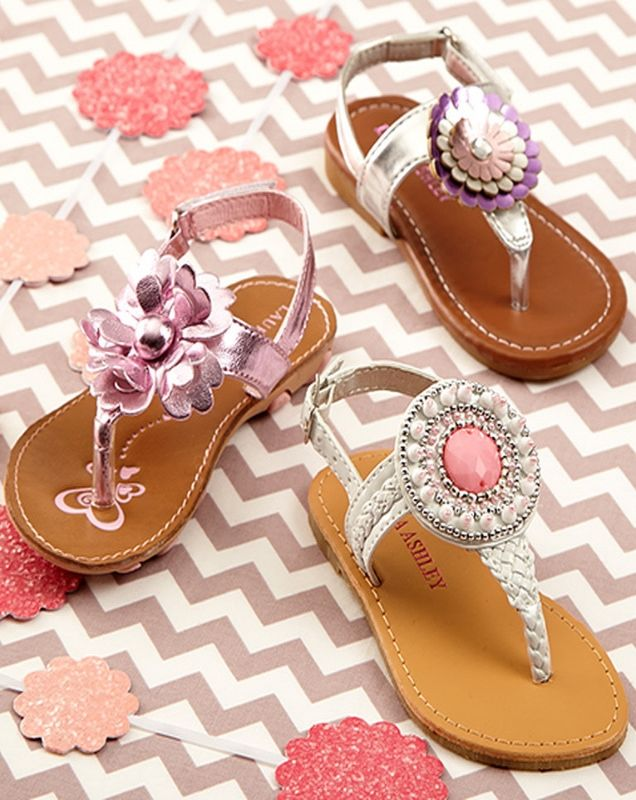 Check out zulily's daily selection of unique girls shoes, discounted up to 70% off.