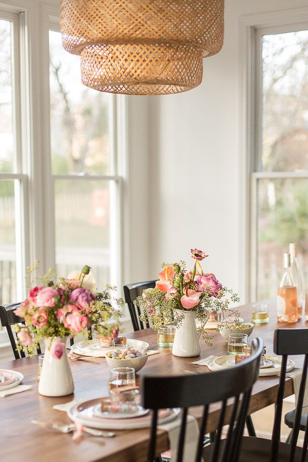 How to Throw a Minimal Spring Dinner Party (Just in time for Mother's Day)