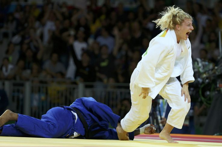 RIO DE JANEIRO — Kayla Harrison fought her way to judo history. Again. Harrison became the first American to defend an Olympic judo title when she forced France's Audrey Tcheumeo to tap out i…