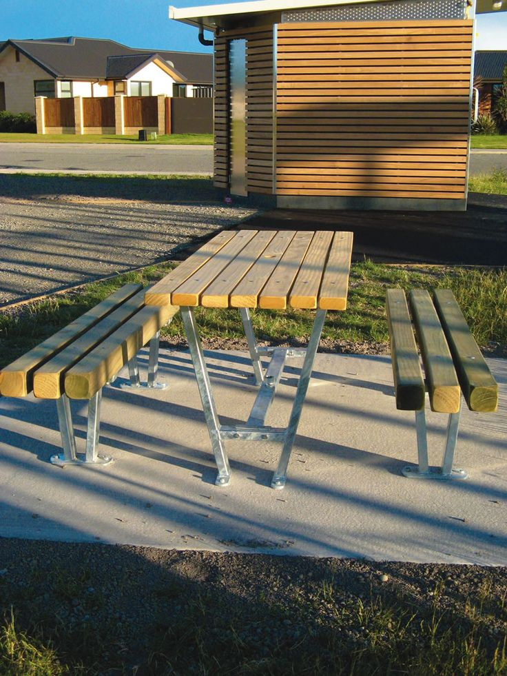 To improve the look of the existing the playground area Waimakariri District Council works with the Urban effect. Product used for this project are Atessa Platform Benches, Kiwi Table, Big Harris Bench and Spencer 80L bins #urbaneffects #urbanfurniture #streetfurniture #outdoorfurniture #benches #atessatables #outdoortables #KiwiTable #BigHarrisBench