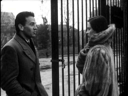 con Lucia Bosè in Cronaca di un amore (Michelangelo Antonioni, 1950)