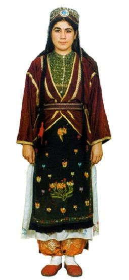 Traditional festive costume from Viranşehir (90 km east of Urfa). Mid-20th century.  This is a recent workshop-made copy, as worn by folk dance groups.