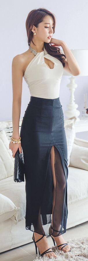 Luxe Asian Women Design Korean Model Fashion Style Jewelry Halter White Top