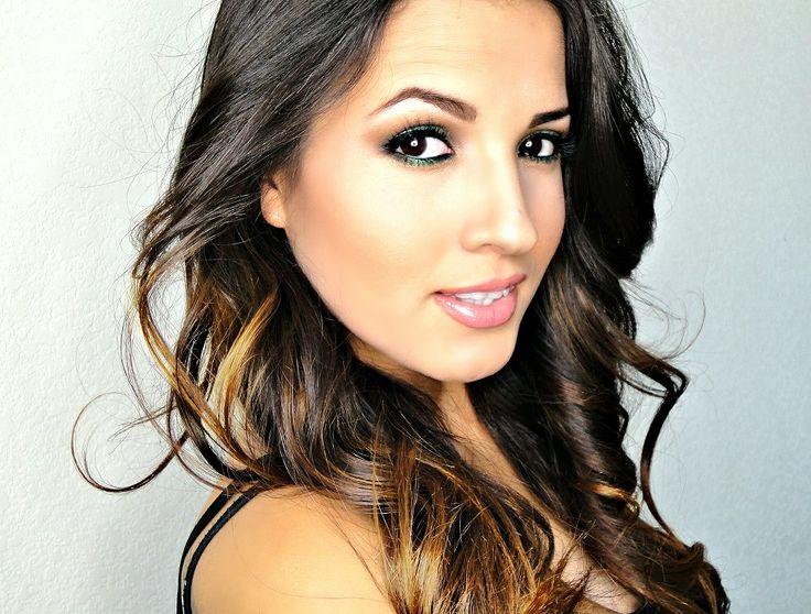 Adriana wearing style 25T   #M21lashes #makeupartist #makeup #mua #makeupartistjakarta #muajakarta #weddingmakeup #makeupaddict #wedding #makeupjunkie #muanation #falselashes #motd #lashes #eyeliner #eyeshadow #hudabeauty #eyelashes #falseeyelashes #makeupslaves #wakeupandmakeup #undiscovered_muas #eyelashextensions #lashextensions #eyelashesextension http://www.model21eyelashes.com/?utm_content=bufferbcbea&utm_medium=social&utm_source=pinterest.com&utm_campaign=buffer