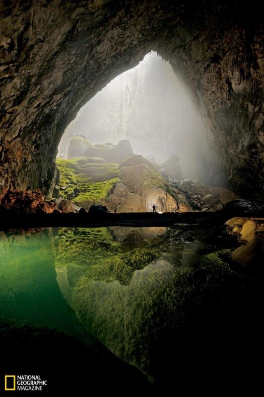 Infinite Cave in Vietnam - in Phong Nha-Ke Bang National Park that harbors a jungle inside and was carved by a subterranean river millions of years ago.: Nature, Sons, Caves, Vietnam, Travel, Places