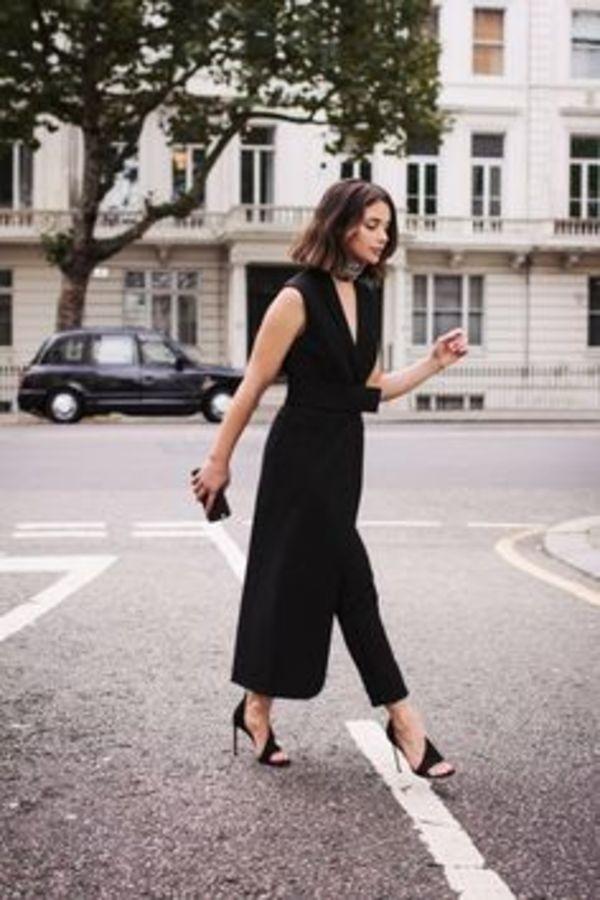 とろみ素材の美人シルエット♡ 素敵な40代の着こなし術♡アラフォー ガウチョおすすめコーデ術です。