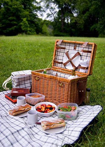 気分を盛り上げてくれるグッズで、ピクニックをもっと楽しく彩りましょう♪