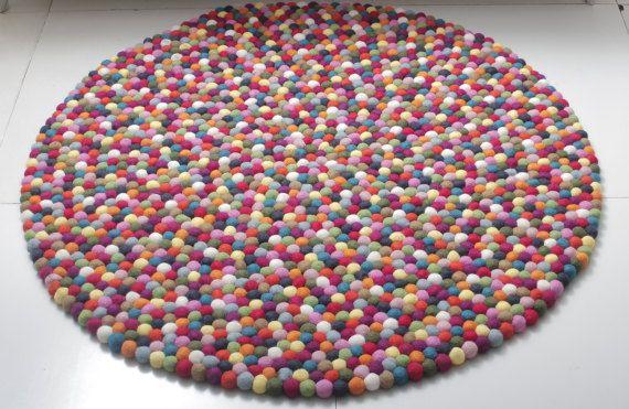 die besten 25 filzteppich ideen auf pinterest filzwand aufh ngen kinderfreundliche teppiche. Black Bedroom Furniture Sets. Home Design Ideas