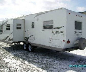 2009 Used Rockwood Signature Ultra Lite 8296ss Travel trailer for sale by Suncoast Trailer Sales, Inc. in Pierceton, IN, USA at UsedRVsUSA.Com