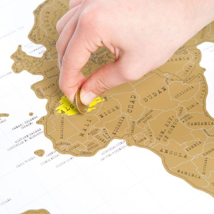 Die Rubbel-Weltkarte wird nach jeder Reise weiter aufgerubbelt, so dass man immerzu neue Farben und Details entdecken kann. Macht sich super an der Wand!