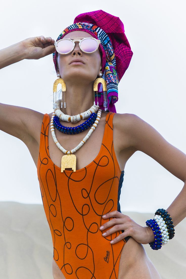 Hand-crafted accessories by SOLLIS Jewellery.