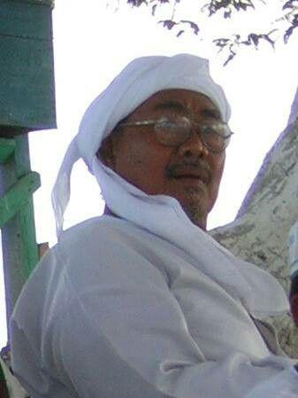 As syaikh Umar Faruq bin Imam kholil  Sarang Rembang Indonesia