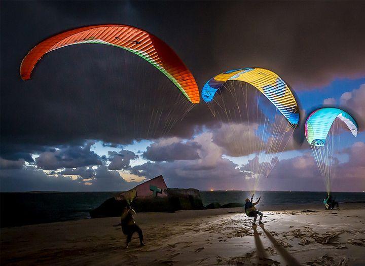 Egyéb Kupon - 65% kedvezménnyel - Egyéb - Lepd meg magad vagy kedvesed a szabadság érzésével! Ismerkedés a siklóernyőzéssel, repülés, szárnyalás 26.000 Ft helyett 9.000 Ft-ért. Három napos aktív program a budai hegyekben. Most fizetendő 2.700 Ft..