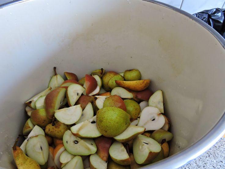 Moneypenny bespaart: Zelf suikervrije peren-appelstroop, diksap, schenkstroop of snoepjes maken.