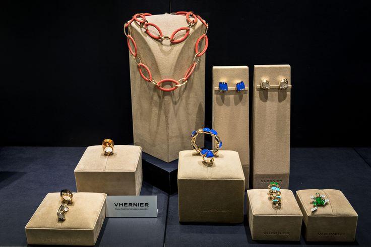 Bortolin Gioielli Udine - le nostre vetrine #vhernier #gioielli #orologi. Visita il nostro sito www.bortolingioielli.it