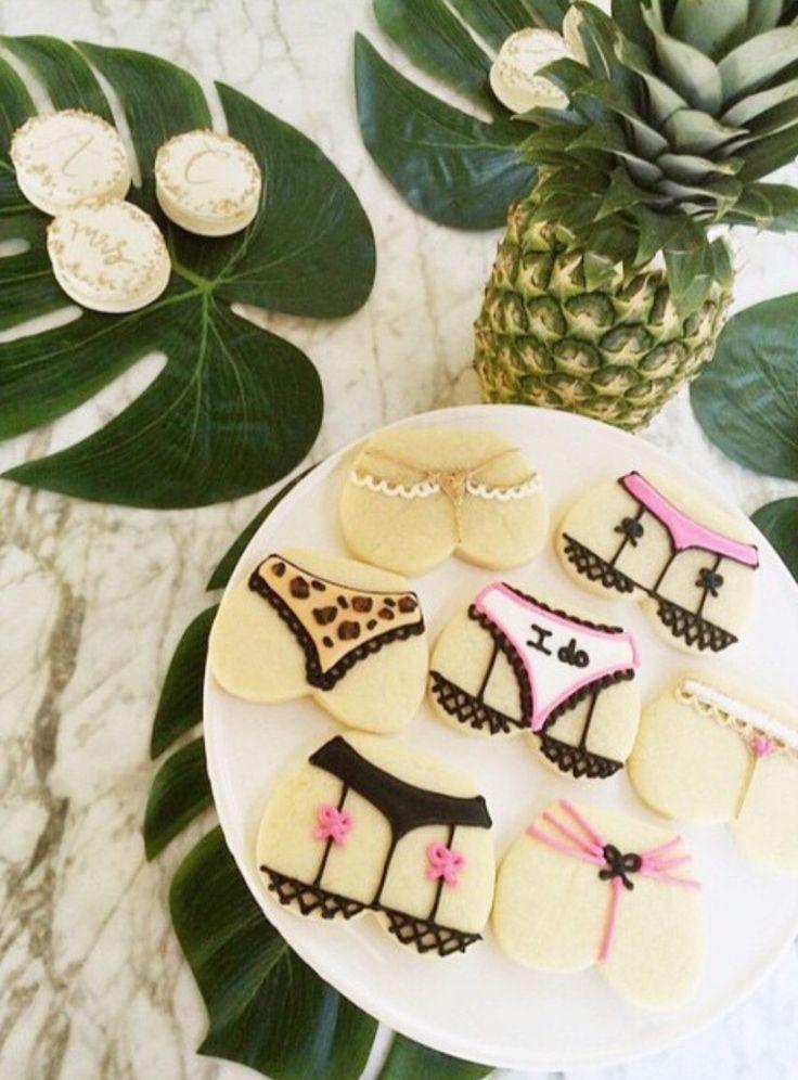 Bachelorette Cookies #sweetnsaucyshop #bacheloretteparty