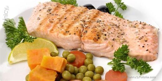Ryba gotowana na parzeGrilled Salmon, Vegetables, Salmon Fillet